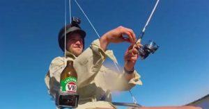 Avustralya'lı bir balıkçı, geliştirdiği drone ile göl üzerinde uçtu