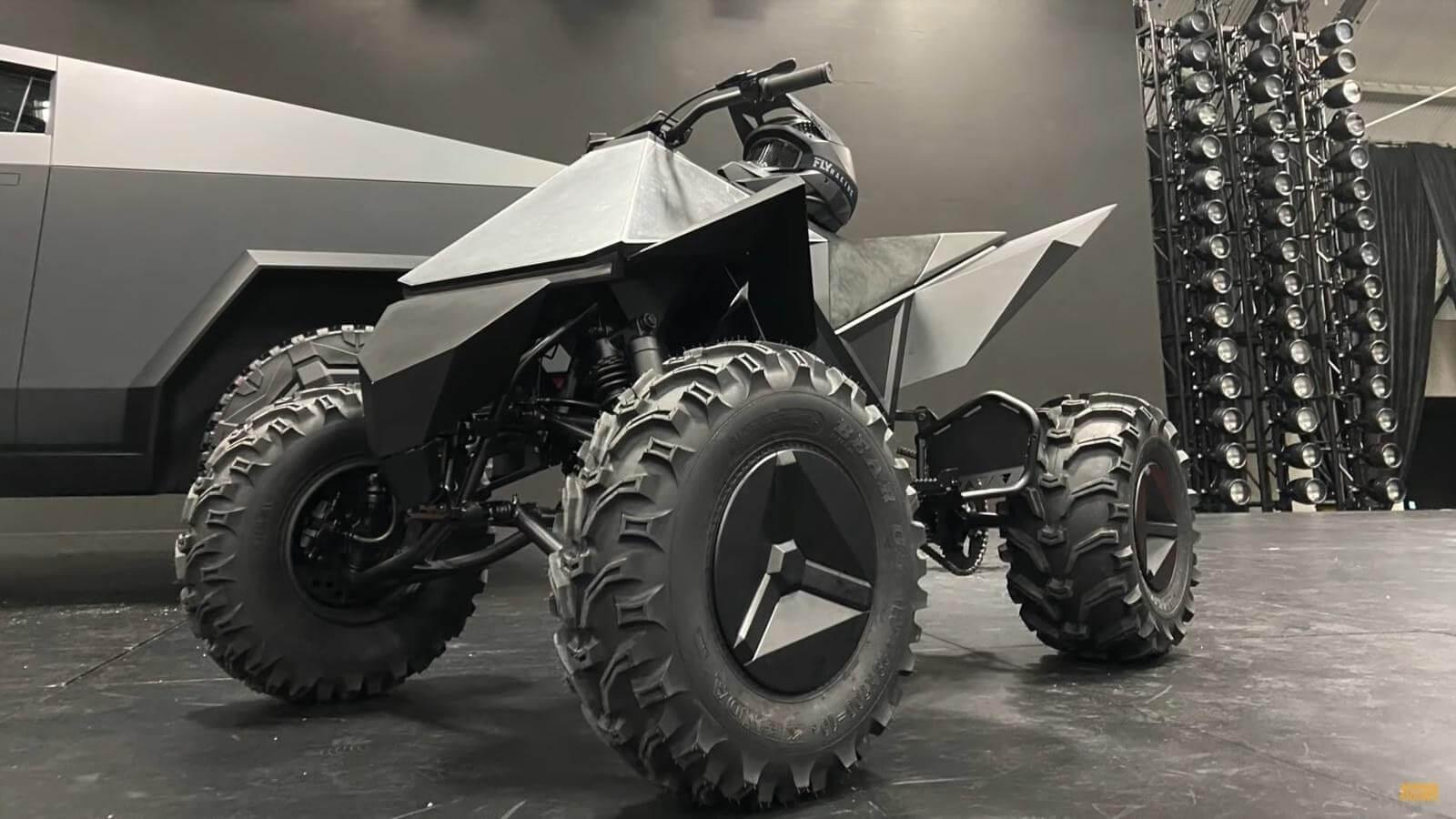 Elon Musk, tesla'nın yeni ATV'si 'Cyberquad'ın çıkış tarihini açıkladı.